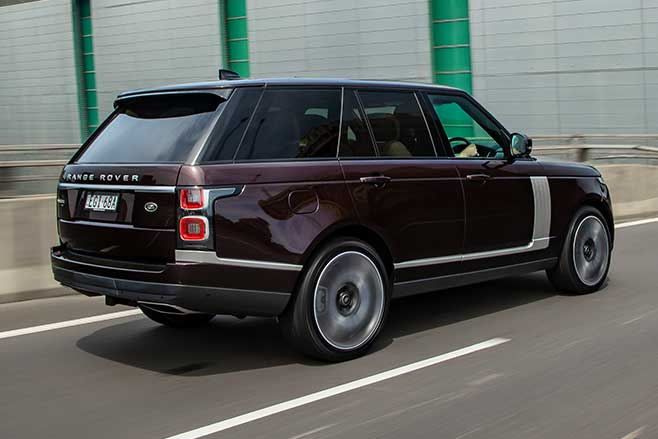 Range Rover Vogue driving