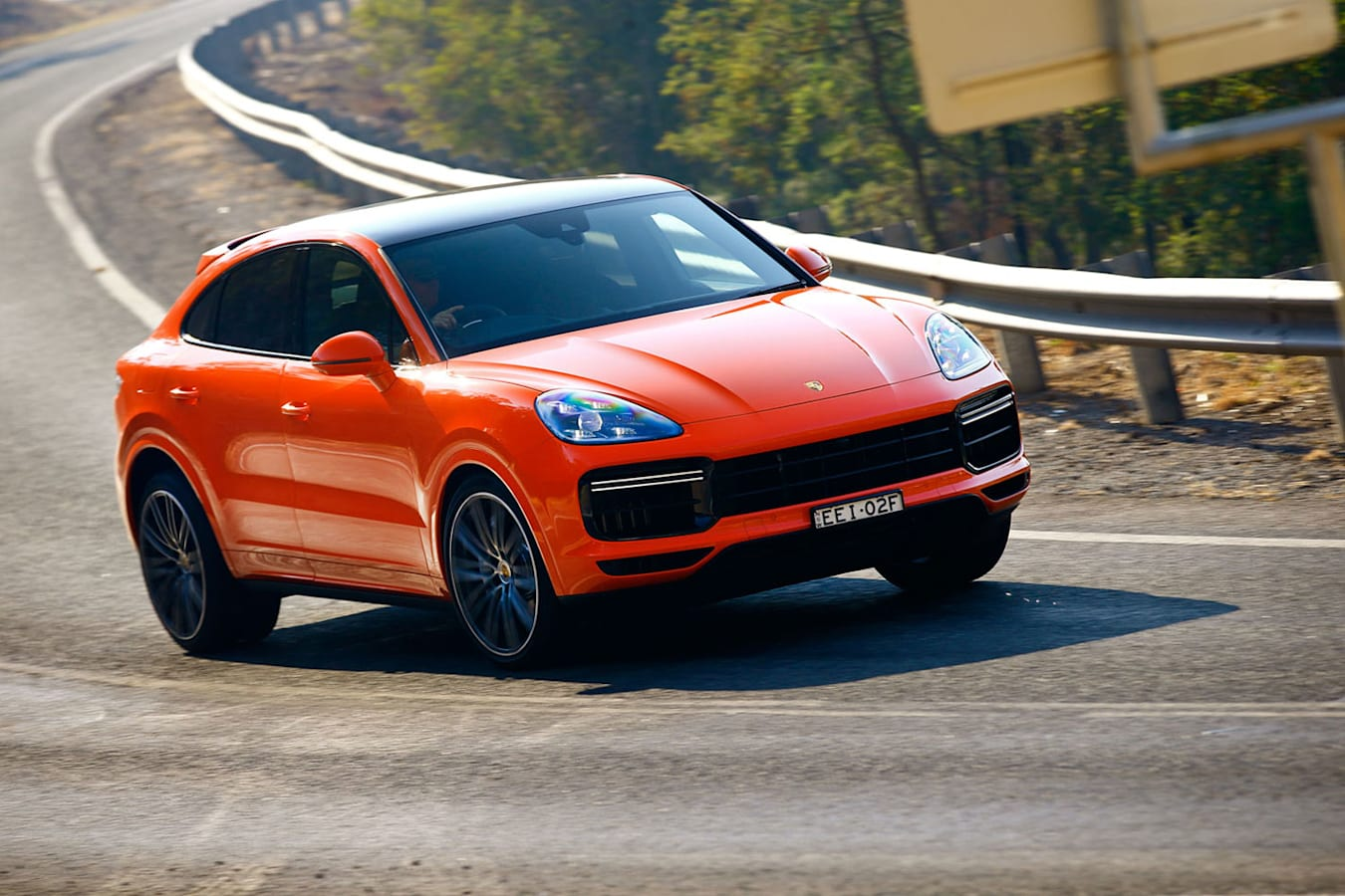 2020 Porsche Cayenne Turbo Coupe steering