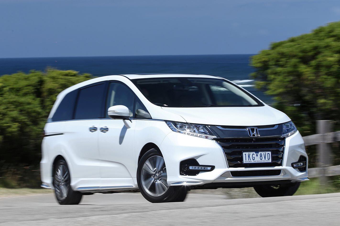 Honda Odyssey VTi-L white