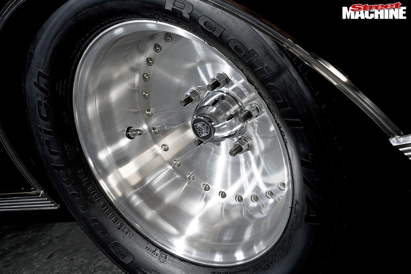 Holden -HG-Brougham -wheel