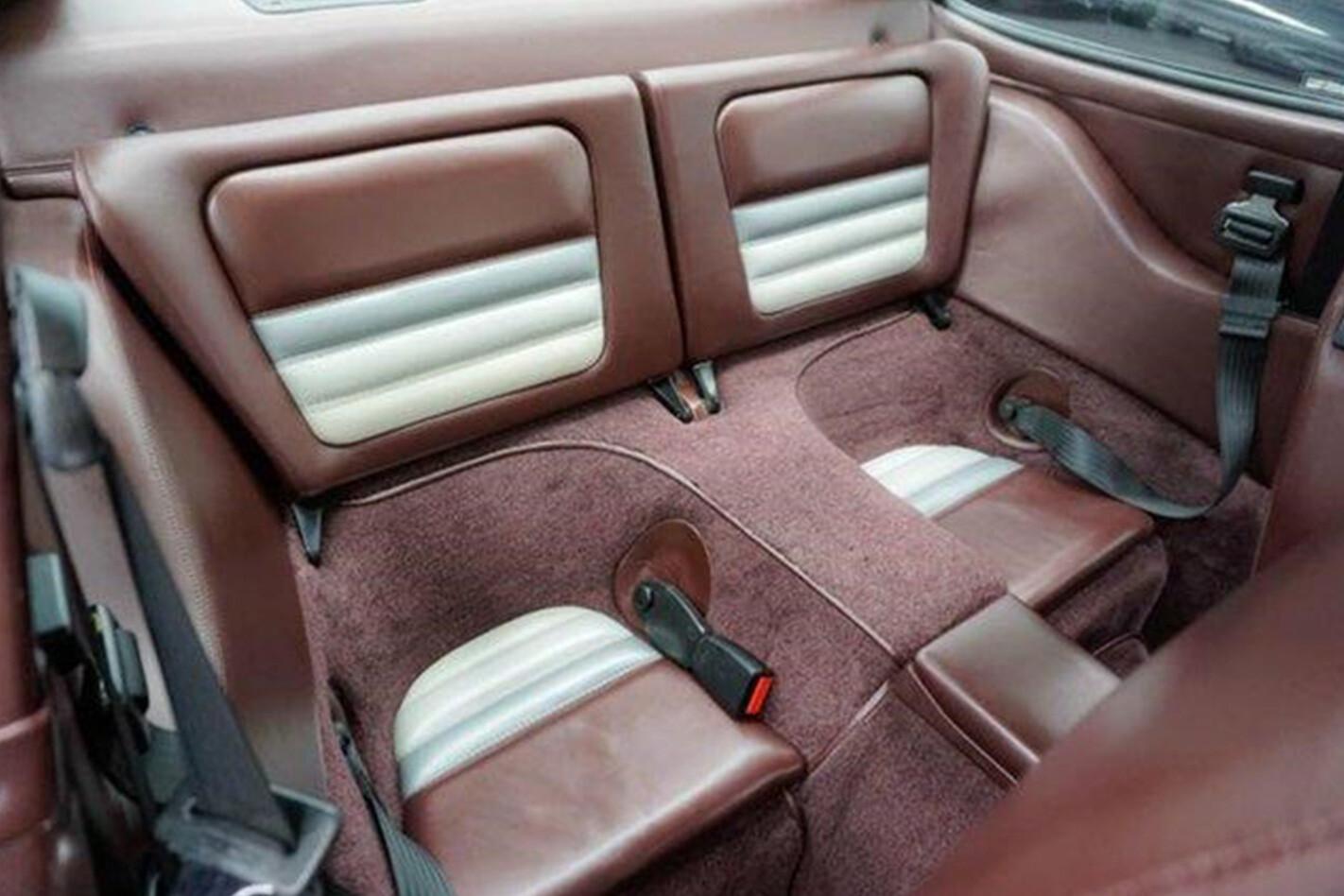 1988 Porsche 959 back seats