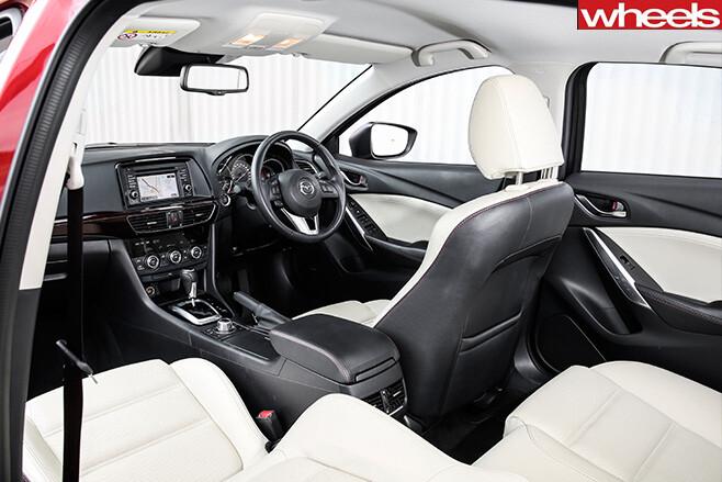 Mazda -6-Touring -interior