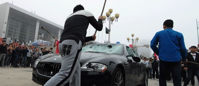 Chinese, man, smash, own, Maserati, sledgehammer, most, powerful, Porsche, Europe, Limited Edition, Wheels magazine, new, interior, price, pictures, video