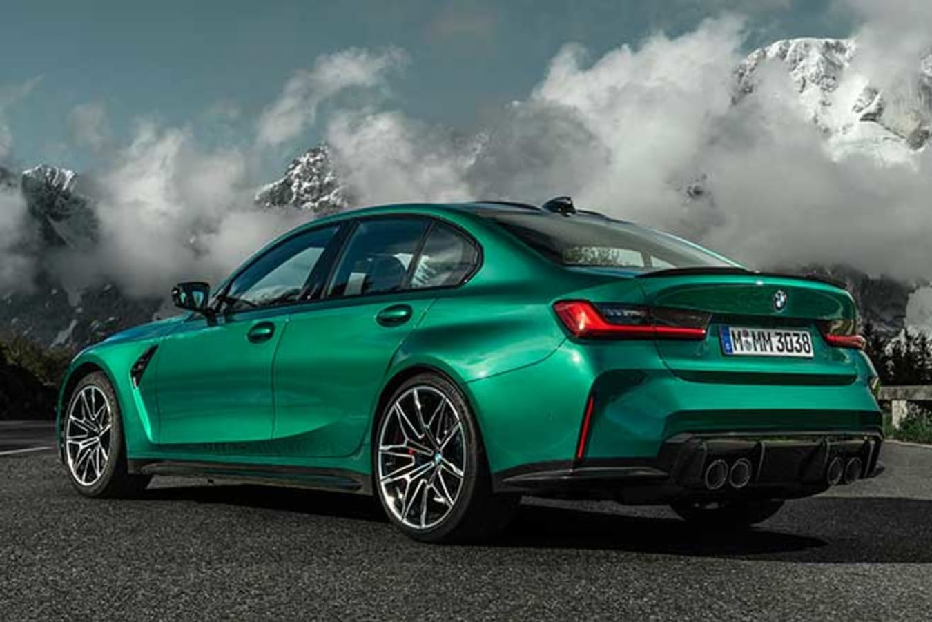The 2021 BMW M3 Competition uses staggered rims, 19 inches front and 20 inches rear.