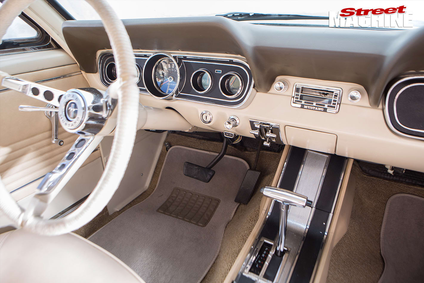 Nicole -Bridge -1966-Mustang -interior -front