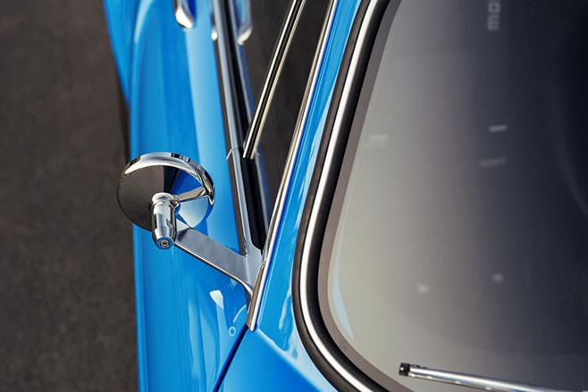 Volvo P1800 Cyan restomod mirror