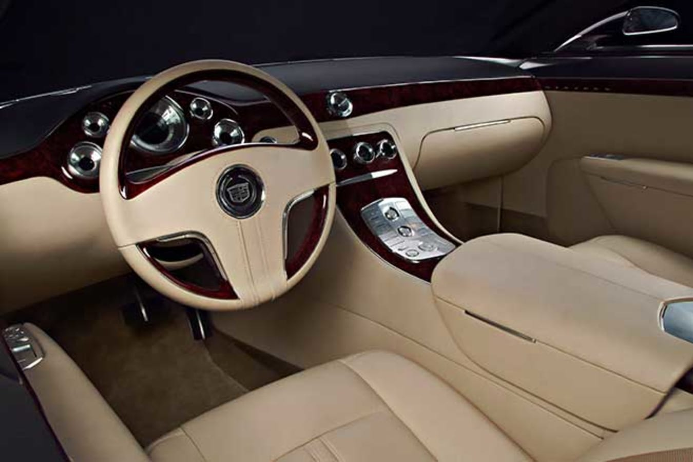 The Cadillac interior was covered in leather, wood and aluminium.