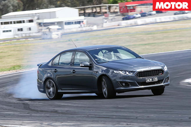 Ford Falcon xr8 turning