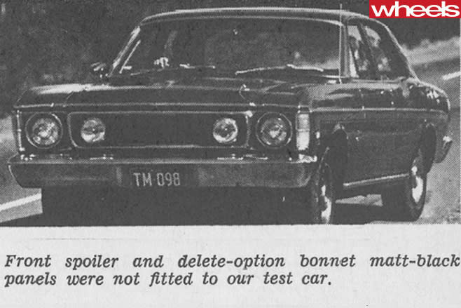 Ford -Falcon -351-GT-driving
