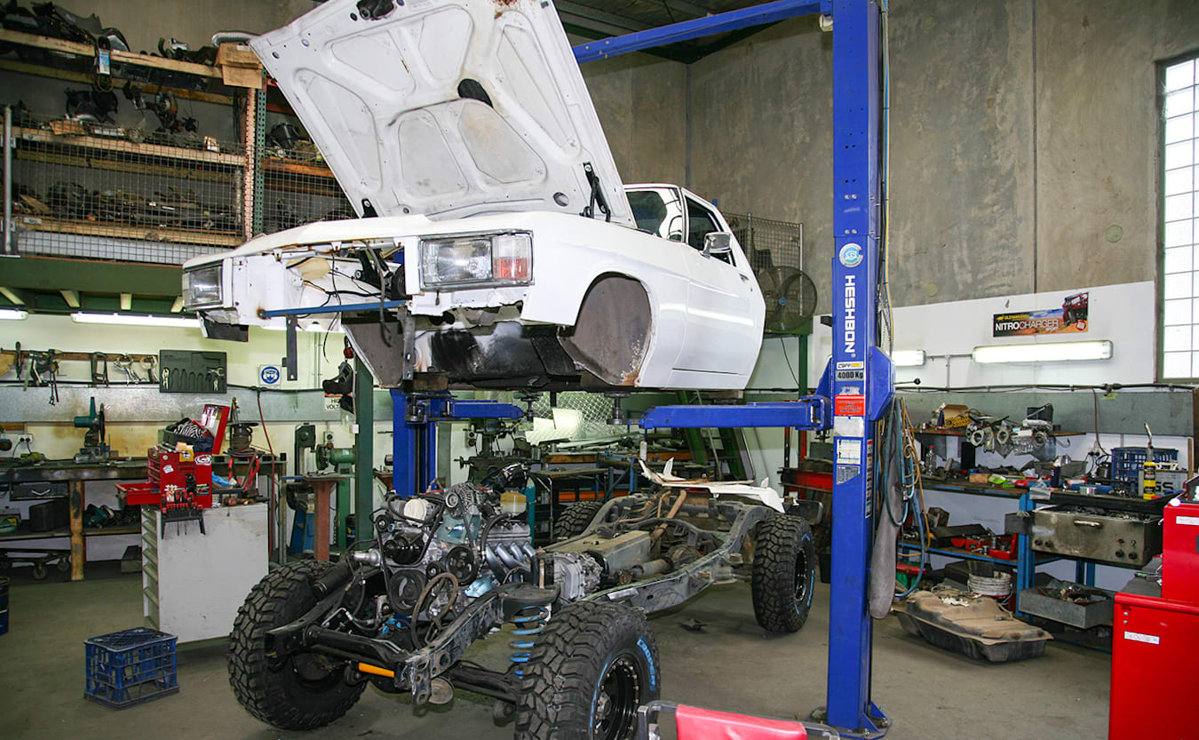 Holden 1 Tonner build hoist