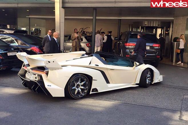 Lamborghini -Veneno -dictator -rear