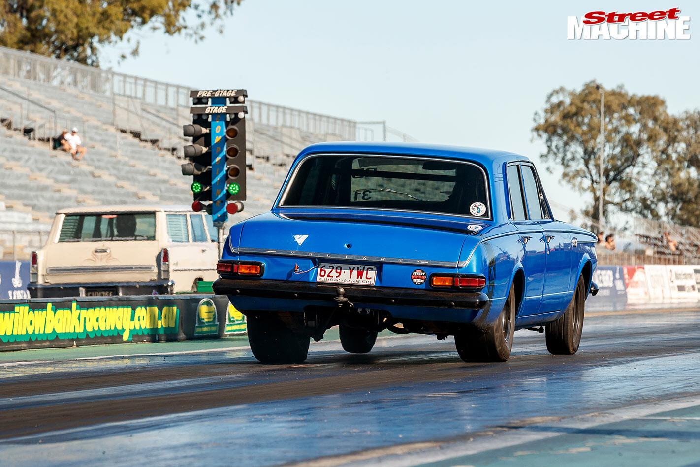 Chrysler AP6 Valiant at Drag Challenge