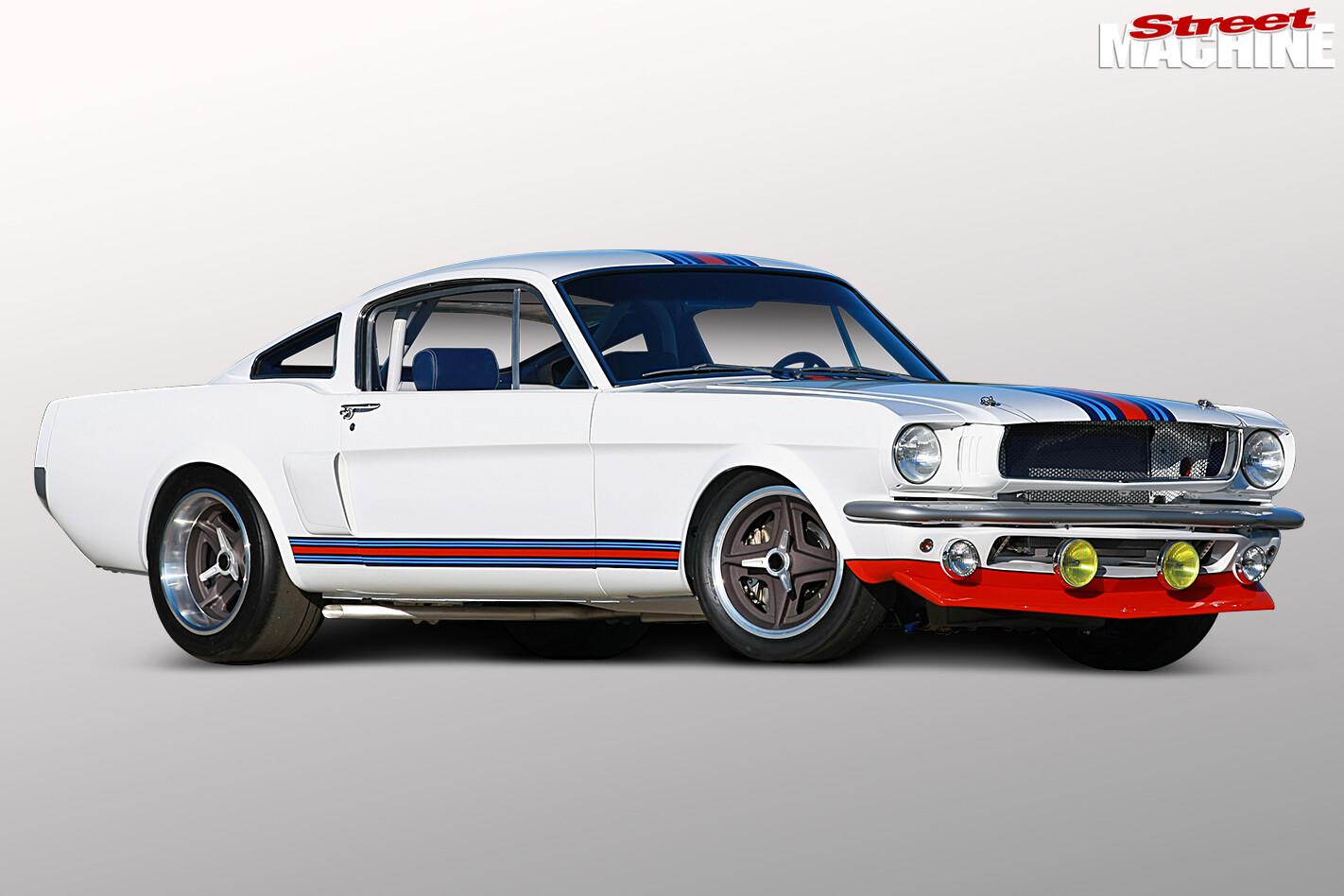 Mustang -side -angle -2