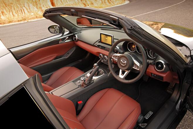 2017 Mazda MX-5 RF interior