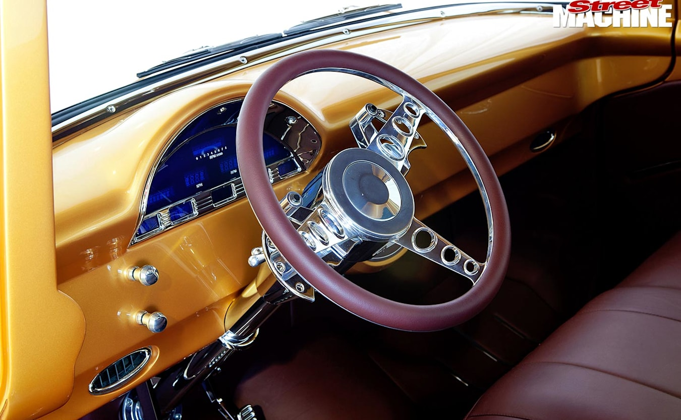 Ford F100 pick-up interior