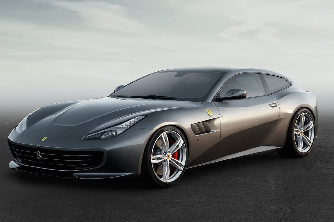 Ferrari GTC4 Lusso revealed