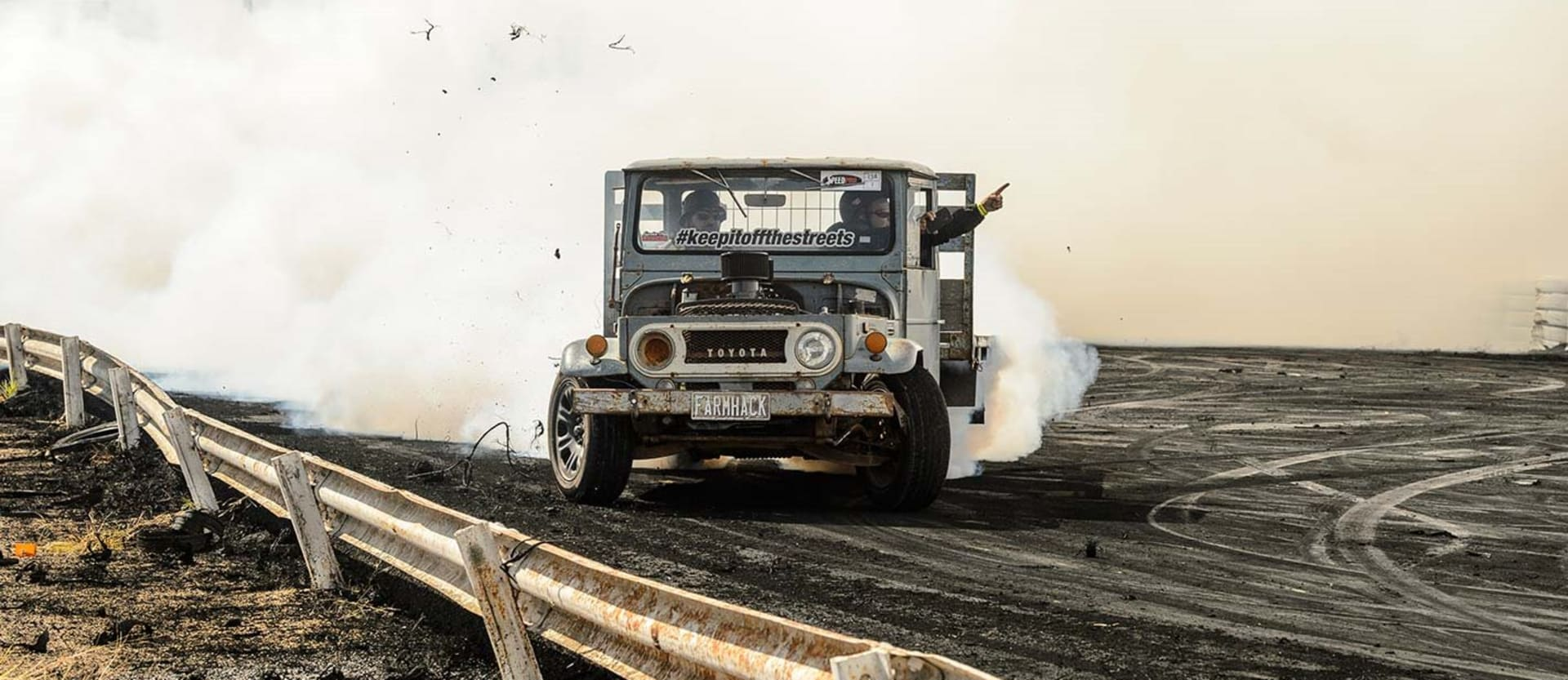 Toyota Landcruiser Burnout Jpg