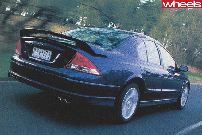 Ford -Falcon -Xr 8-driving -rear -side