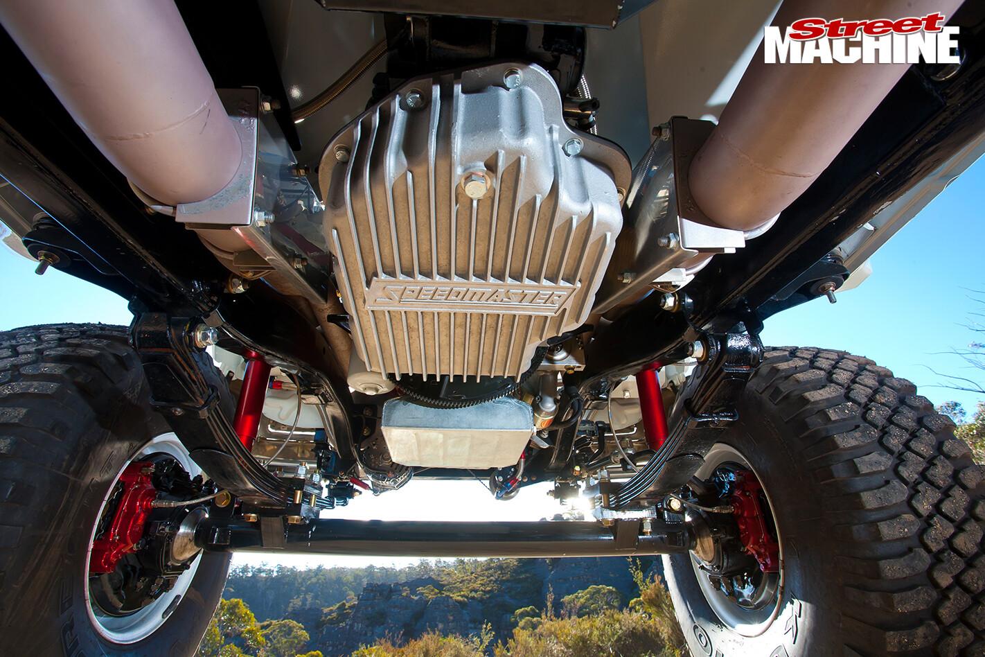 Toyota -Hilux -under