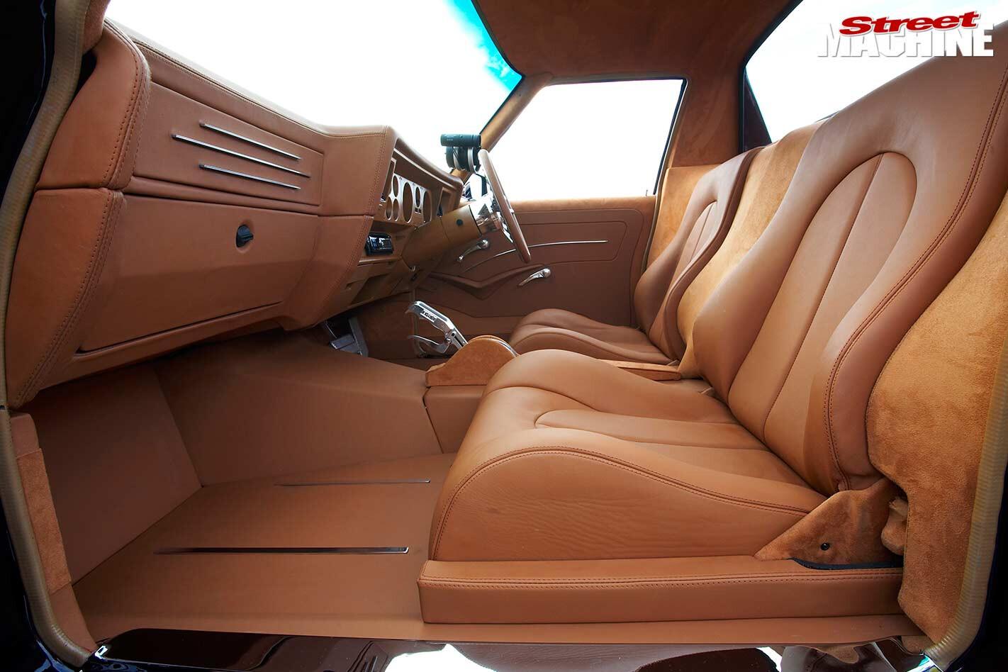 Holden WB ute interior