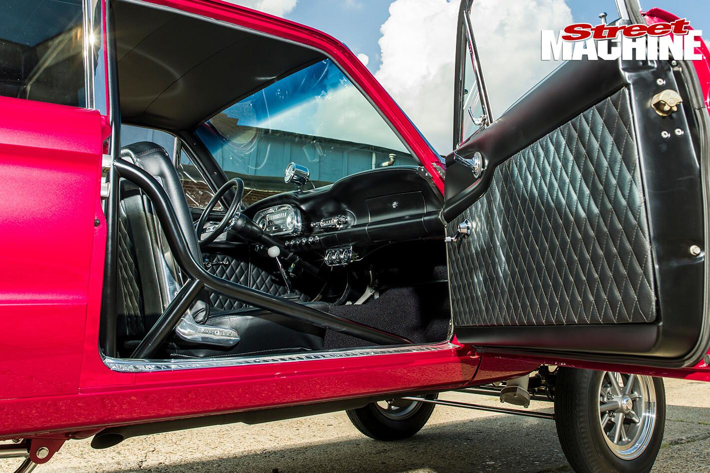 Ford -Falcon -gasser -interior -2