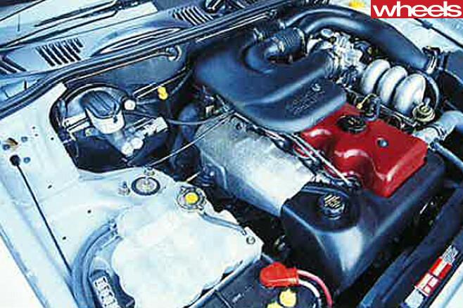 1995-Ford -EF-II-Falcon -engine