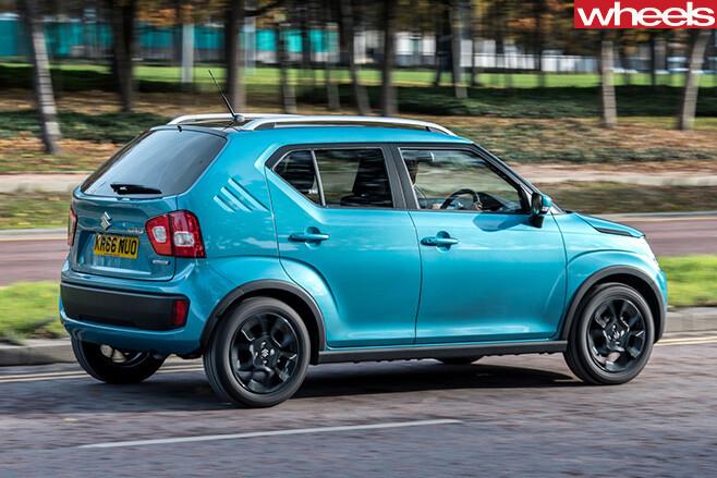 2016-Suzuki -Ignis -driving -sidejpg