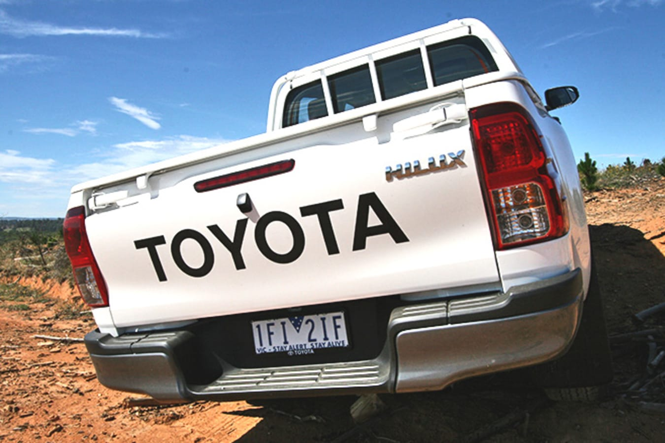 Toyota HiLux 4x4 Workmate rear