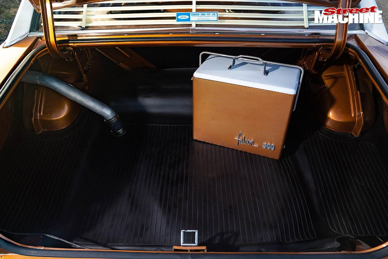 Ford Falcon XY 500 boot