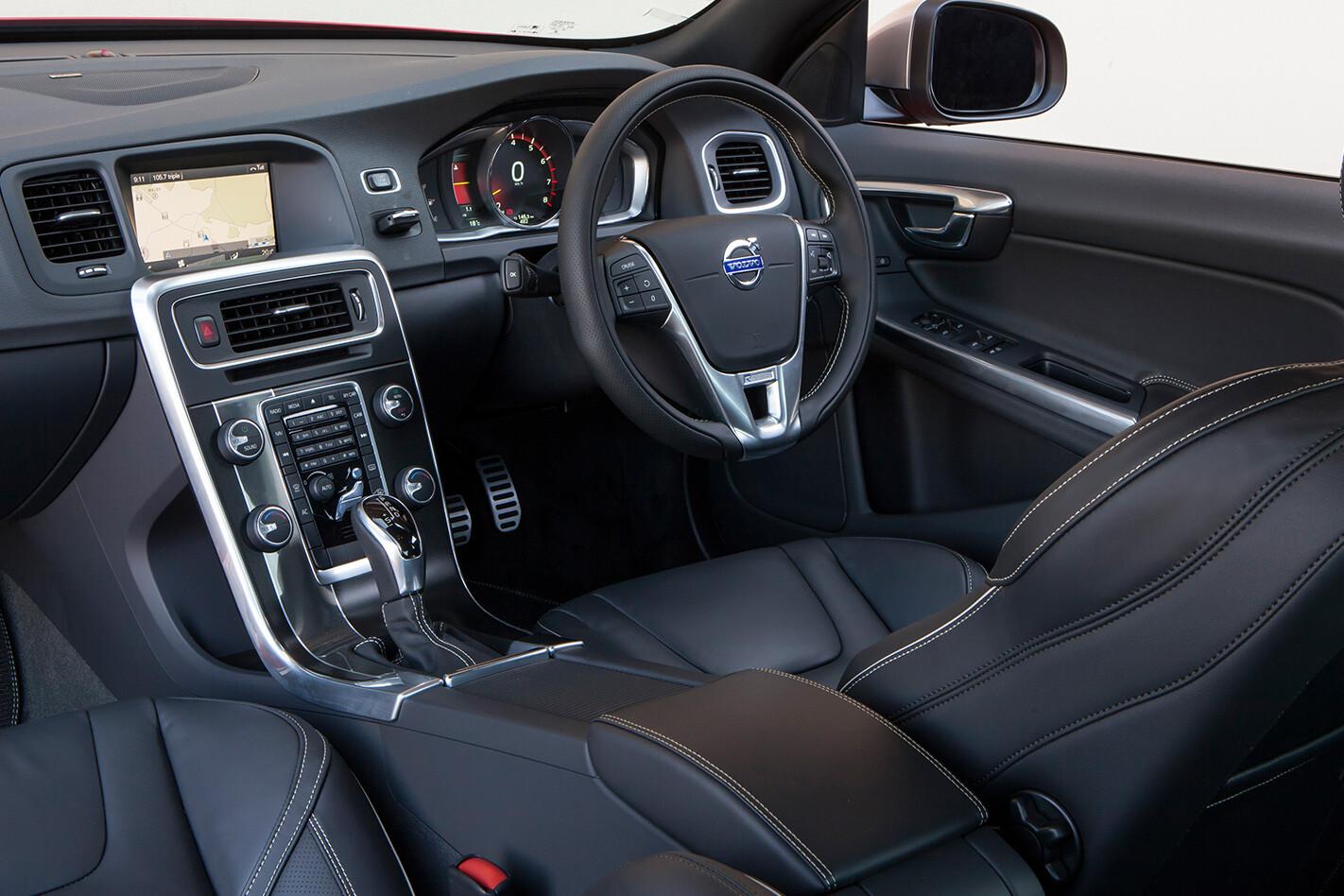 2016 Volvo S60 R-Design interior