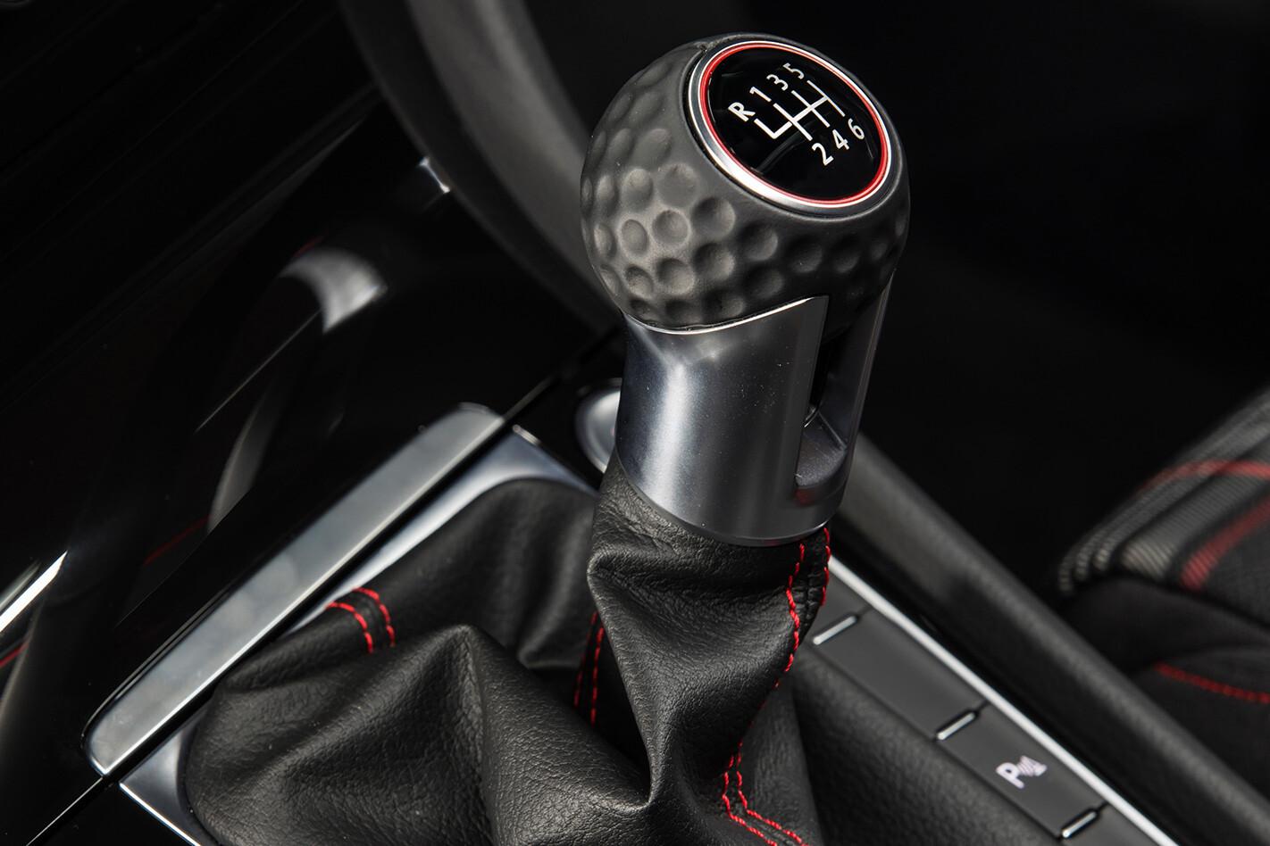 2017-Volkswagen-Golf-R-manual-gearstick.jpg