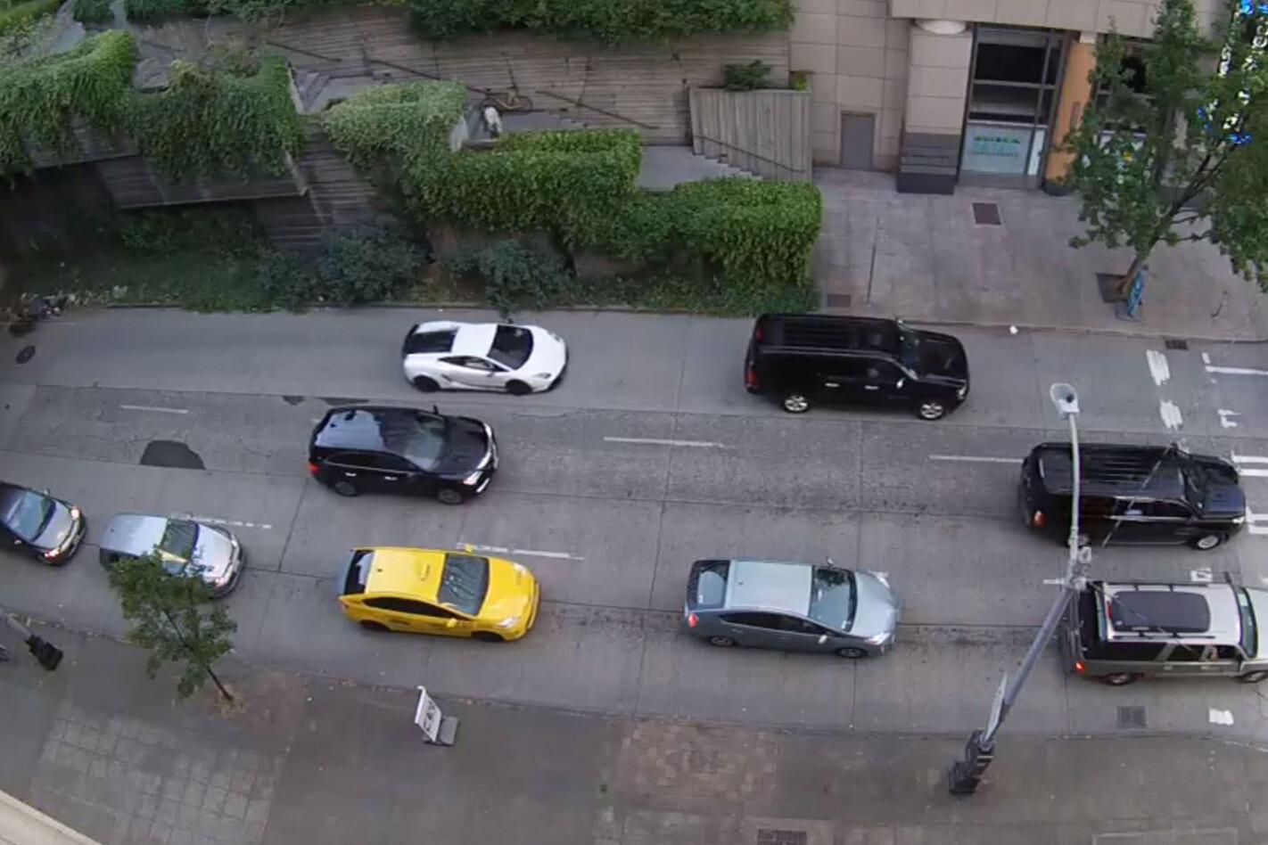 Lamborghini Gallardo on busy street