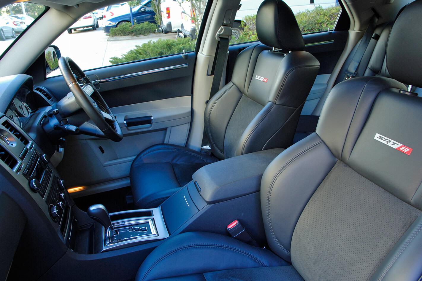 Chrysler 300C interior
