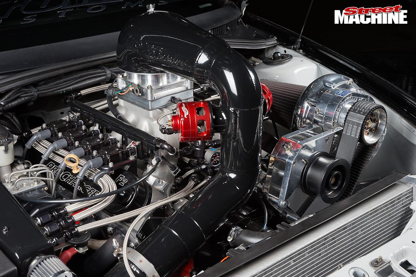 Holden VY ute engine