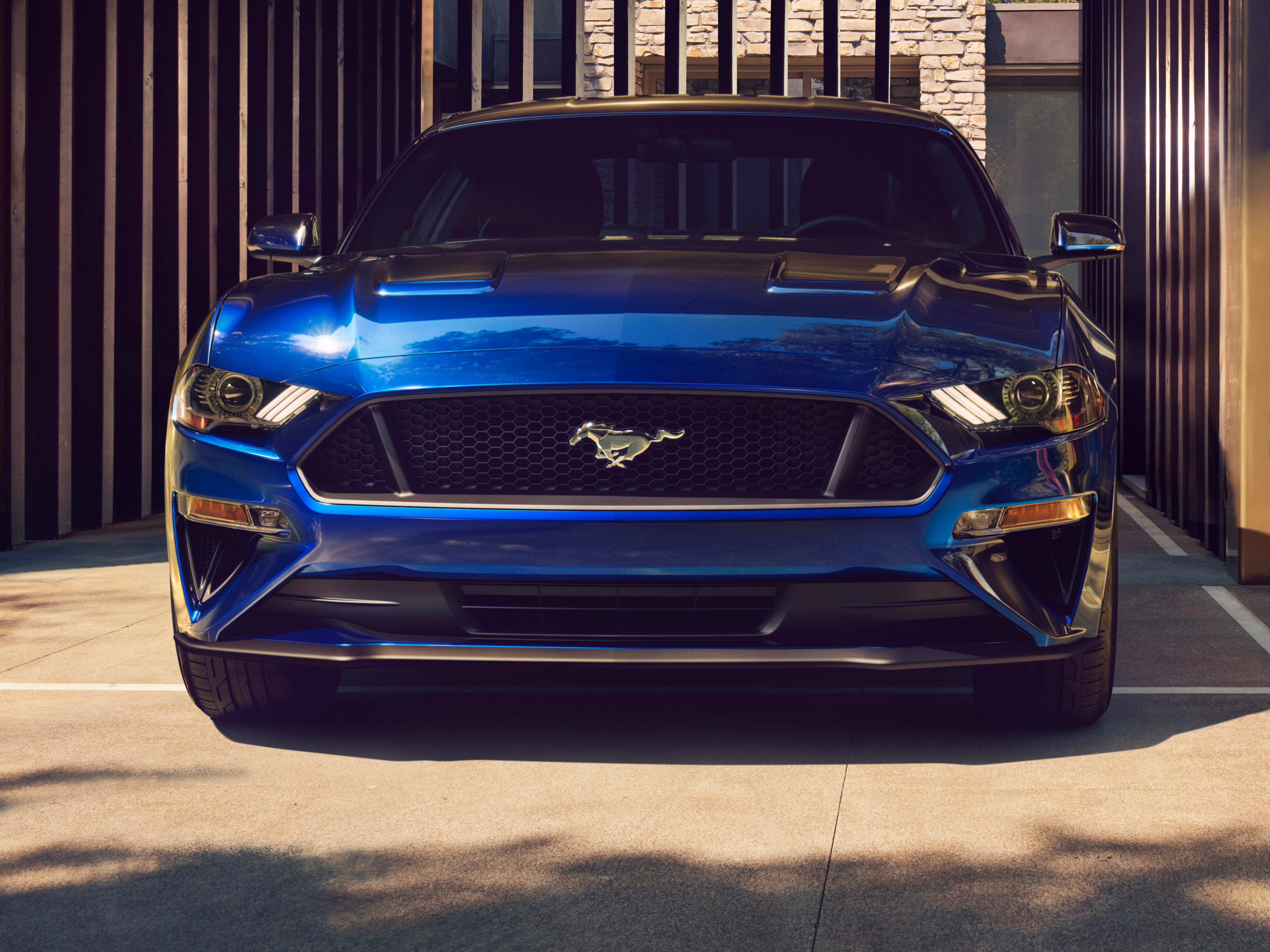 632_New -Ford -Mustang -V8-GT-with -Performace -Pack -in -Kona -Blue -2