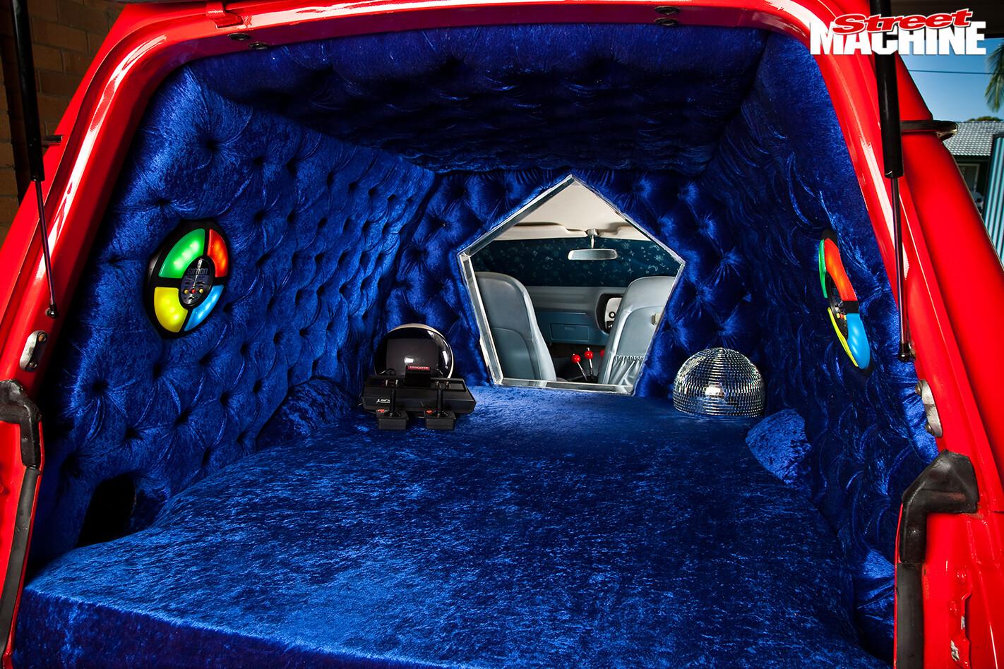 Chrysler -panel -van -interior -rear