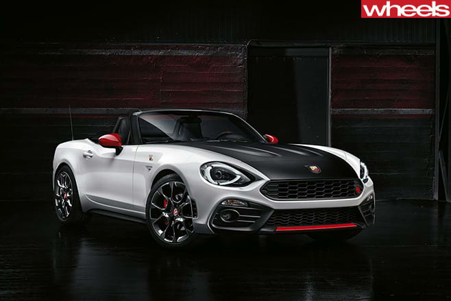 Fiat -Abarth -124-spider -front -side