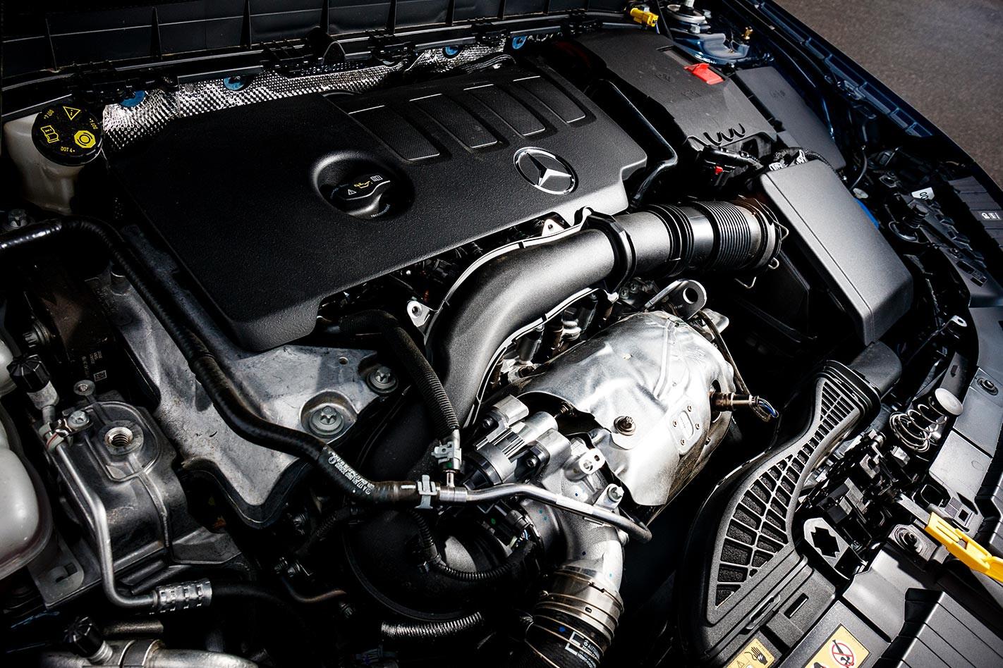 Mercedes-Benz GLB engine bay