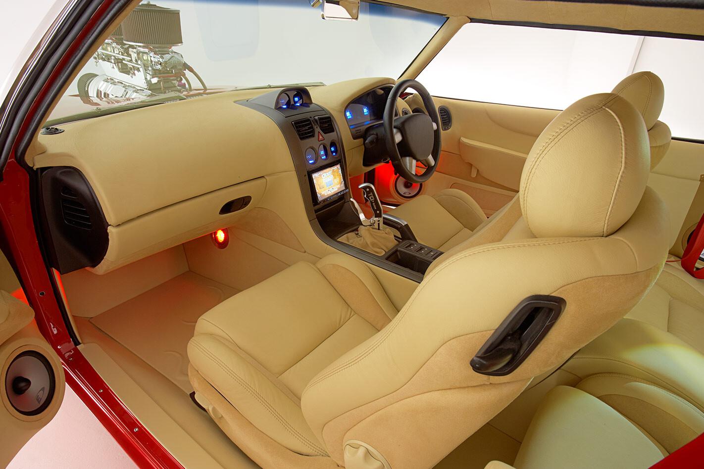 Holden HQ Monaro interior