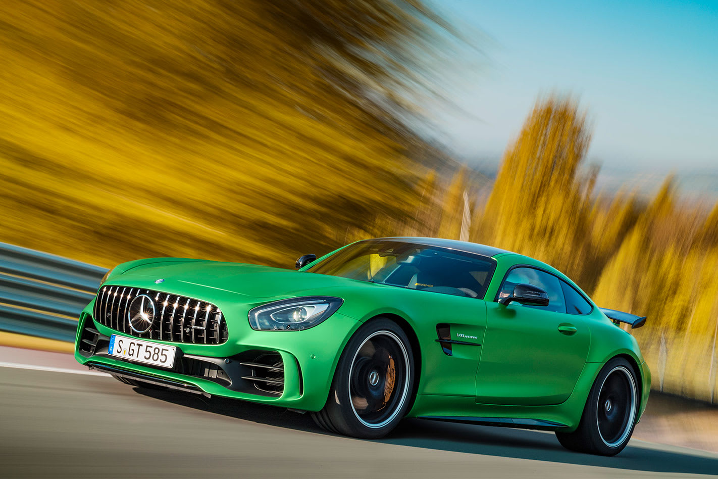 Mercedes -AMG-GT-R-front