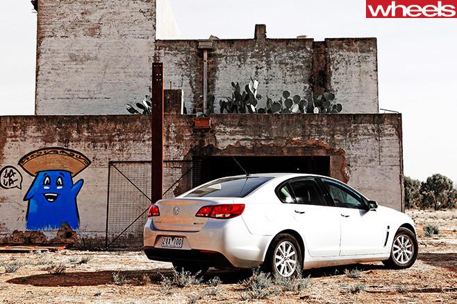2013-Holden -Commodore -Evoke -rear