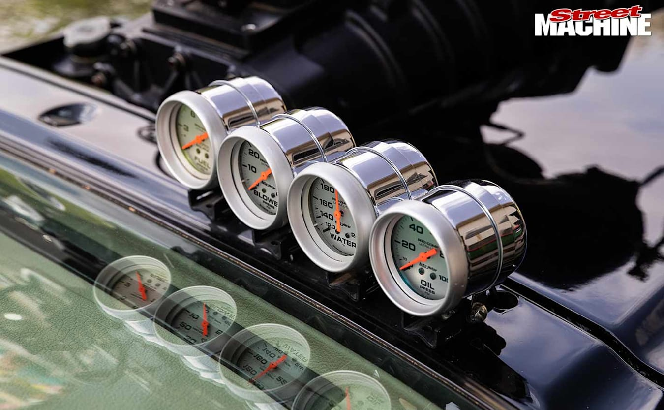 Holden VH Commodore gauges