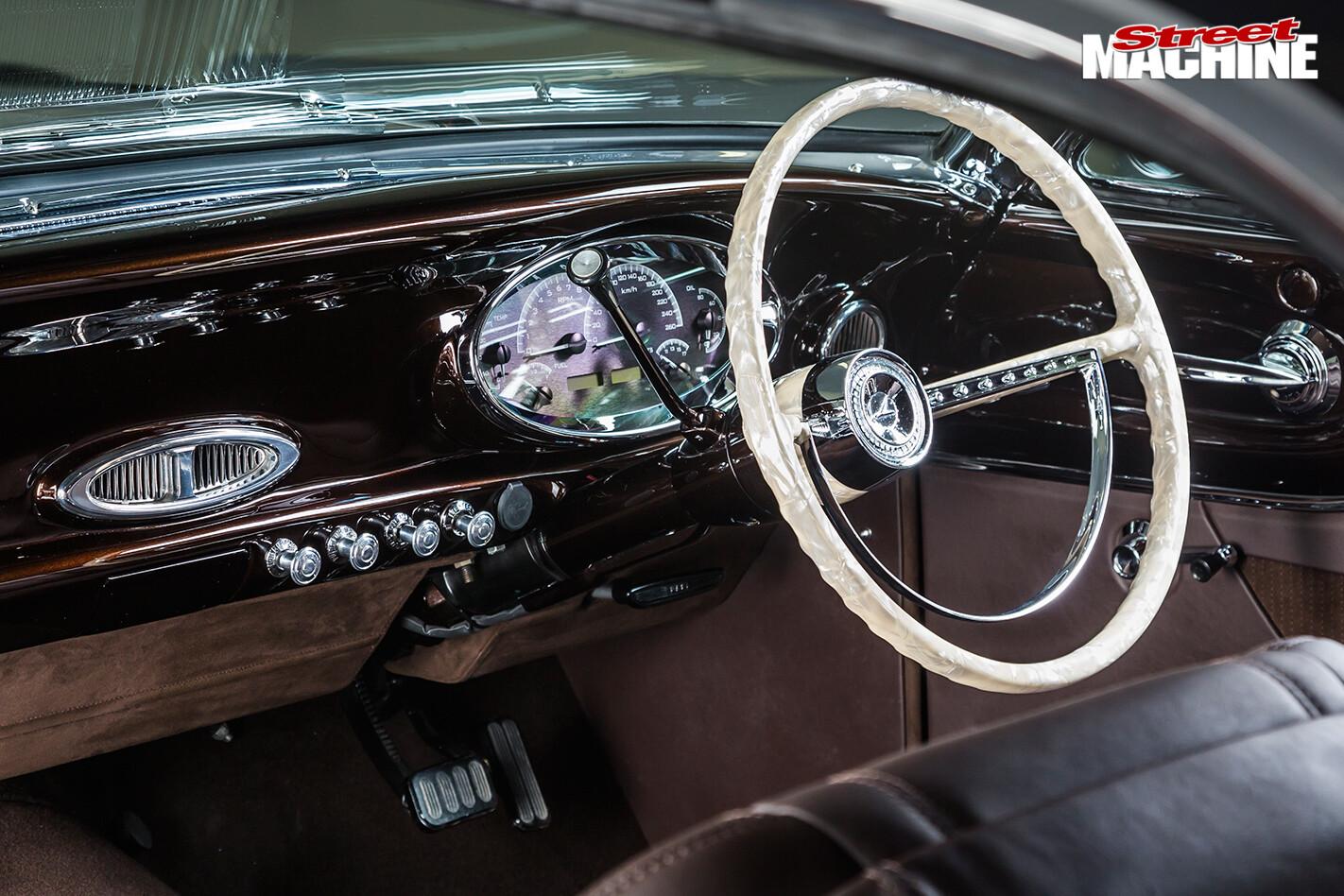 Ford -falcon -xp -interior -dash -2