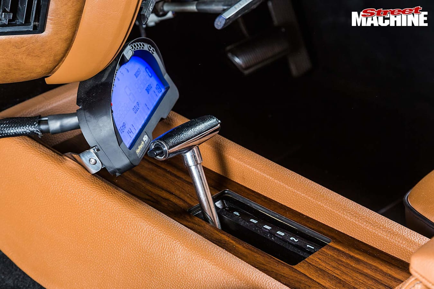 Ford ZF Fairlane console