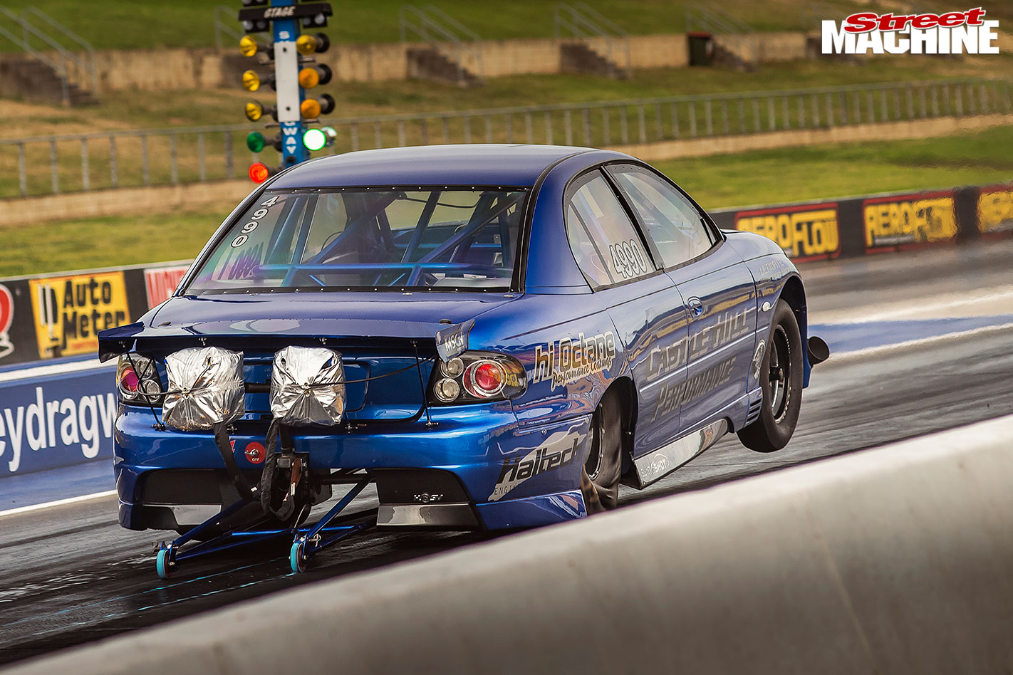 Holden VT Commodore drag