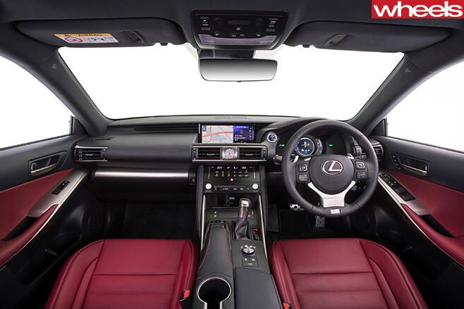 Lexus -IS200t -interior