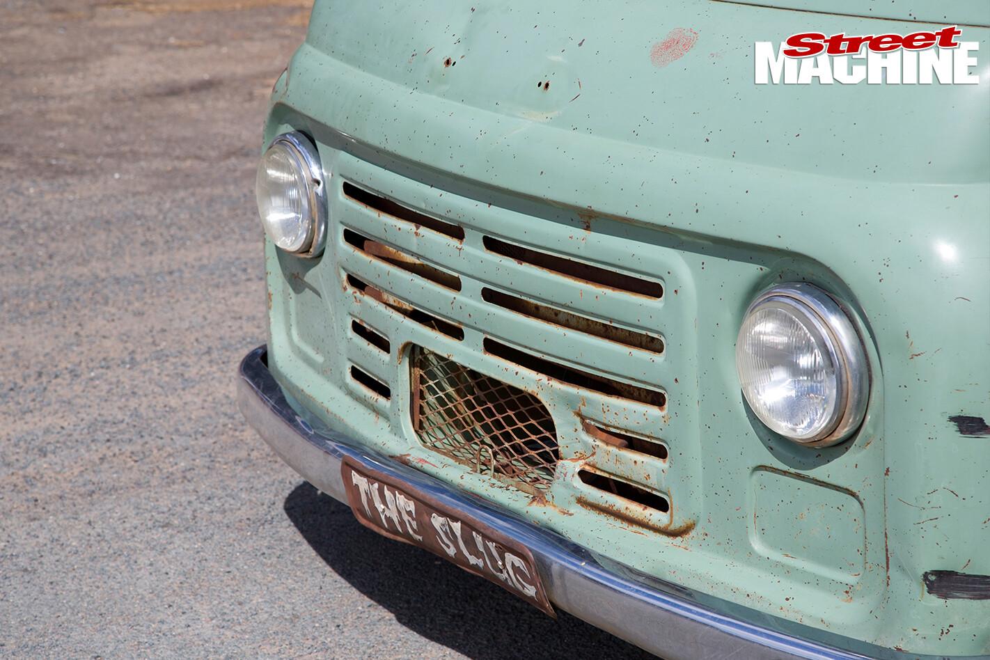 Morris -slug -front -grille