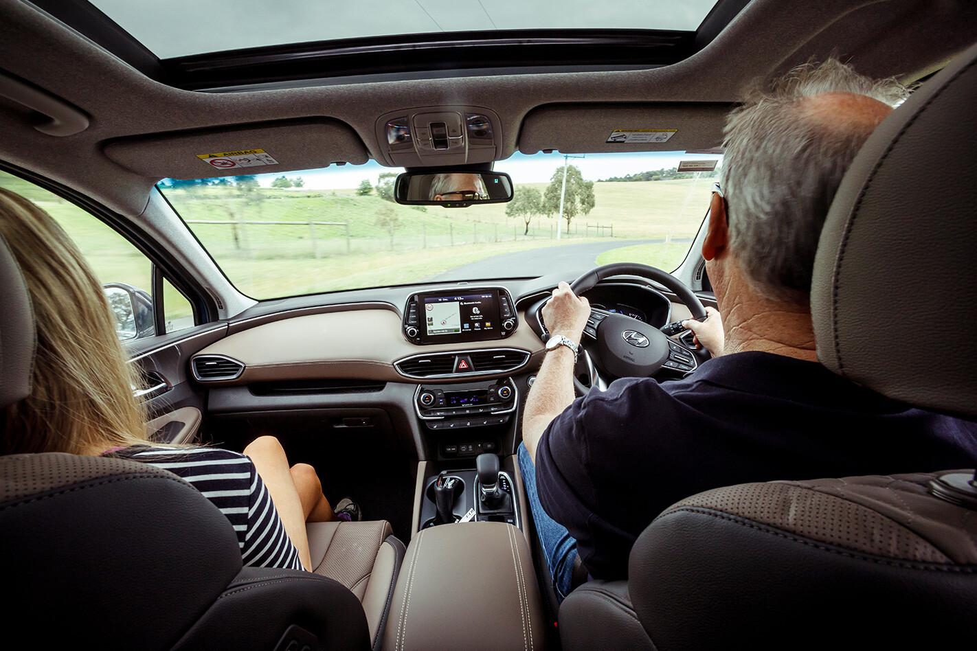 Hyundai Santa Fe Highlander Dash and Front Seats