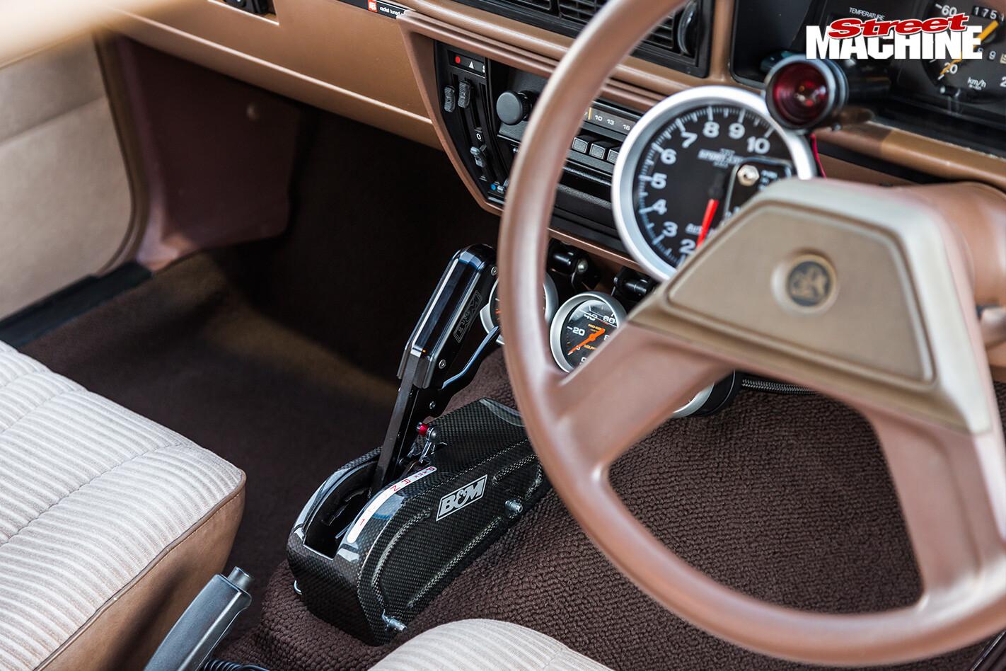 Holden -vh -vacationer -wagon -interior -2