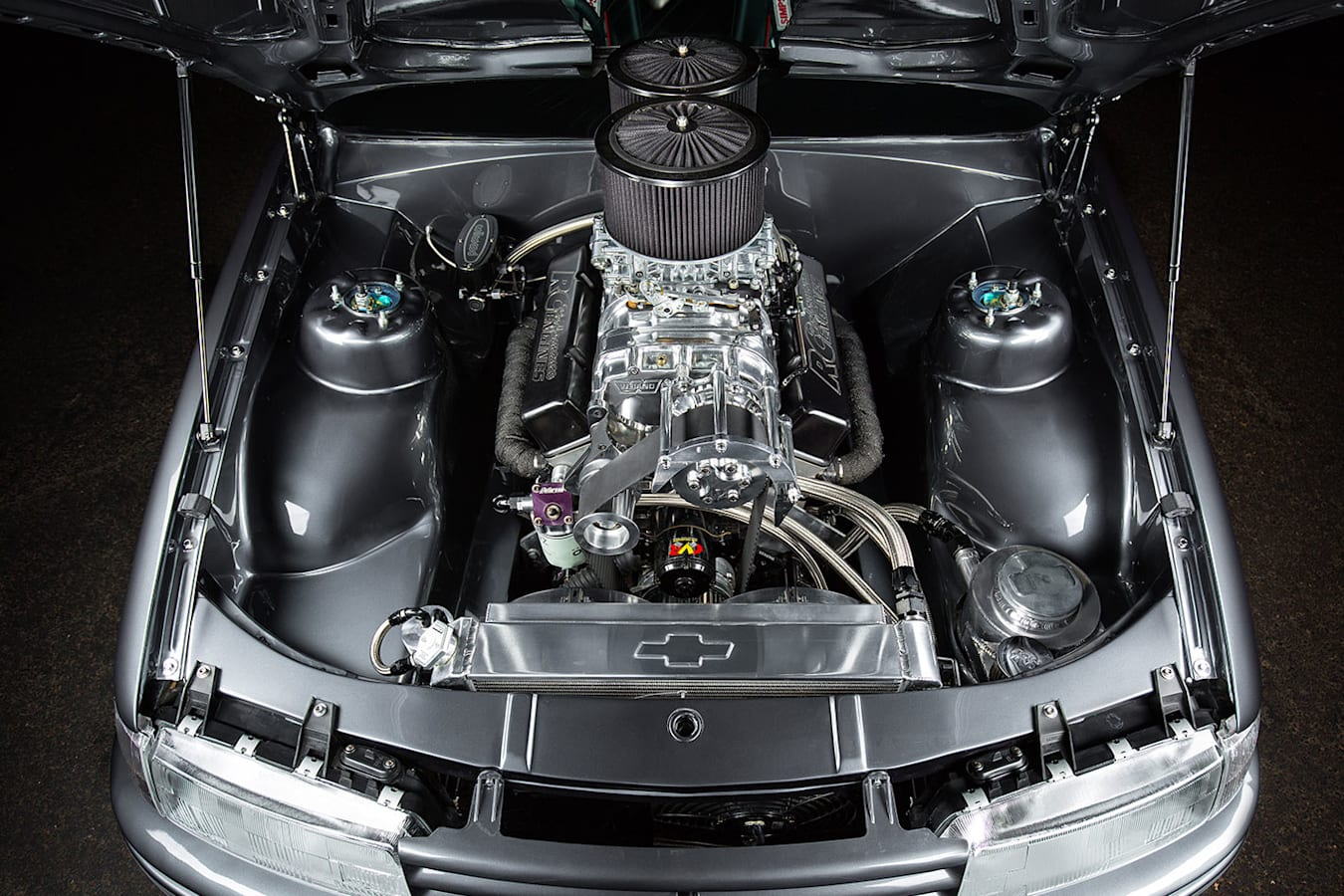 Holden Commodore VN SS engine bay